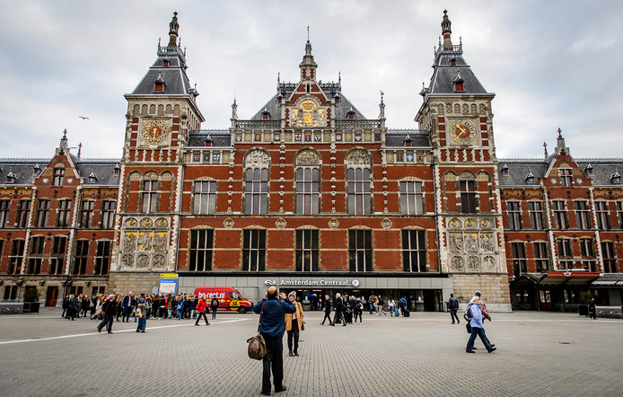 Exterieur van Amsterdam CS.