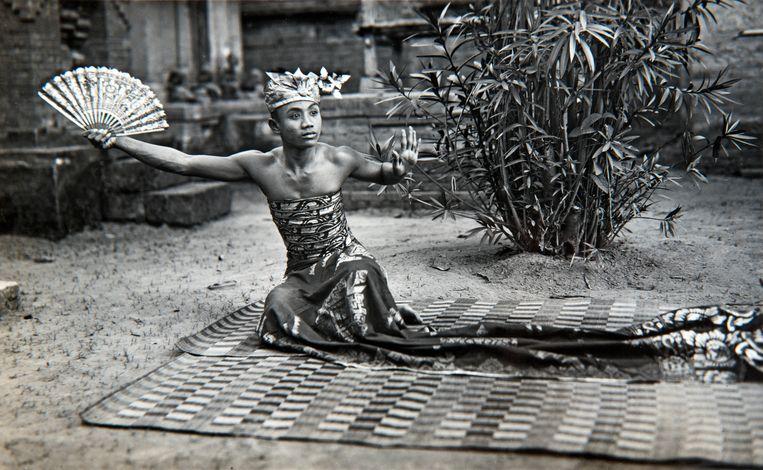 Een Kebyar Duduk danser, 1925-1934 Beeld Nationaal Museum van wereldculturen