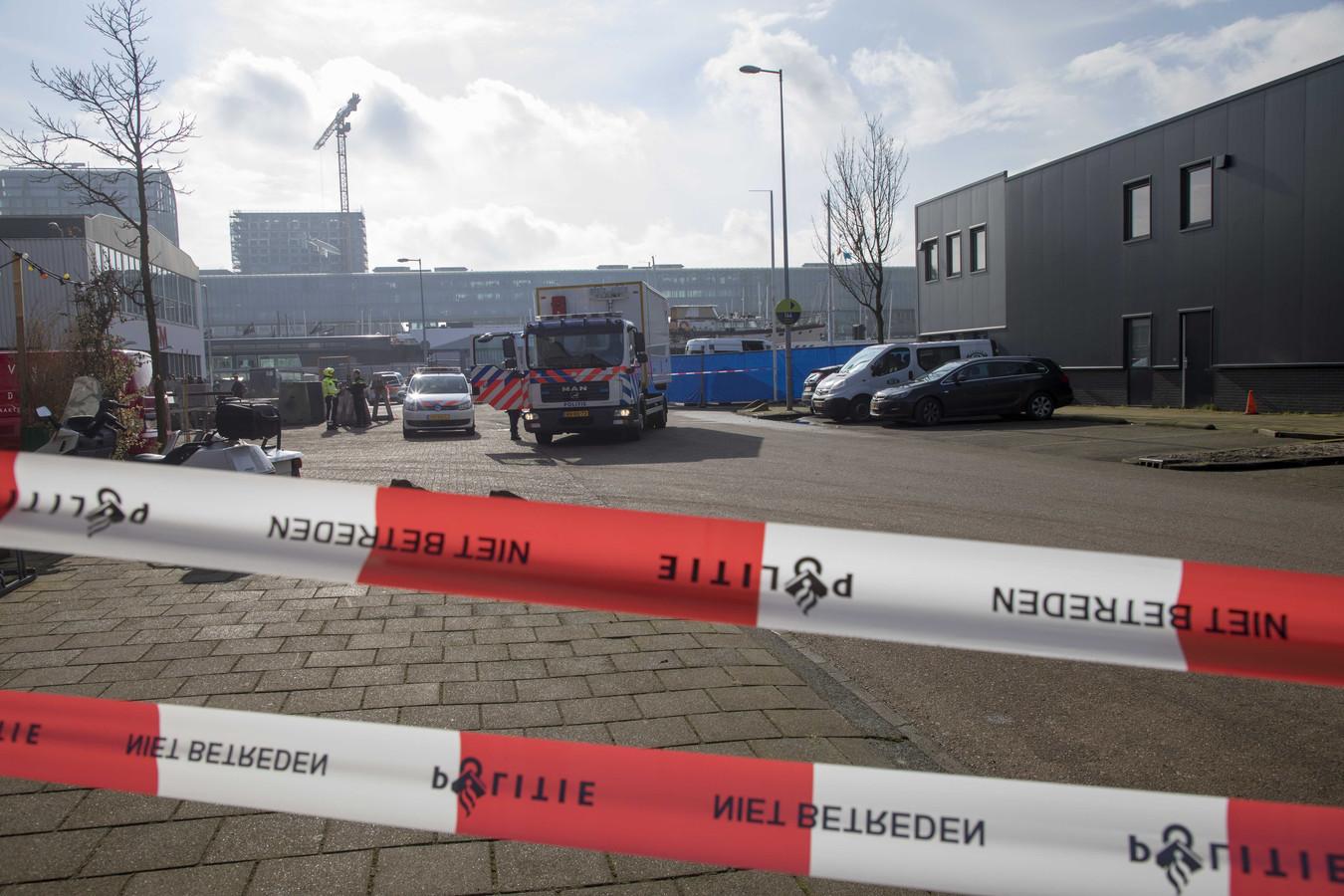 De broer van de kroongetuige Nabil B., die verklaringen heeft afgelegd tegen de zogeheten Mocro-maffia, werd doodgeschoten in Amsterdam-Noord.