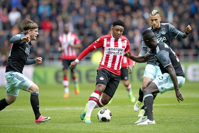 Steven Bergwijn is de uitzondering die de regel bij PSV bevestigt.