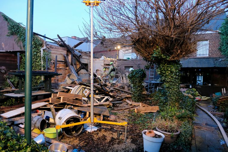 De achterbouw van het restaurant is volledig vernield.