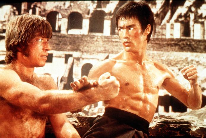 Bruce Lee (rechts).