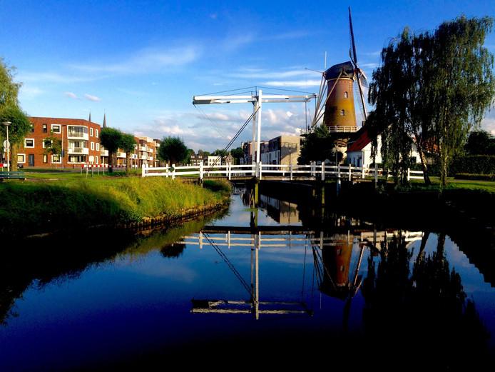 Havenmeester Ton Stoop is bezorgd over de staat waarin de Slickbrug in Etten-Leur Noord verkeert.