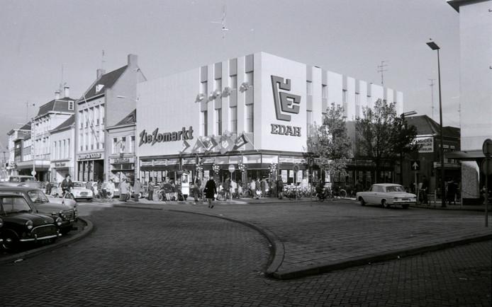 EDAH-ZieZo op de Markt in Helmond (1968)