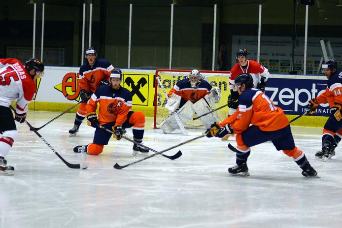 Goalie Ian Meierdres werd verkozen tot beste speler aan de kant van Oranje in dit duel tegen Litouwen.
