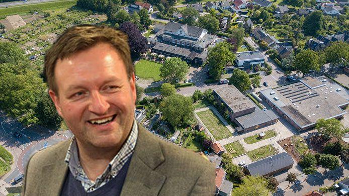 Arjen Lagerweij met op de achtergrond boven in beeld de Deventer Buitensociëteit in Steenenkamer,