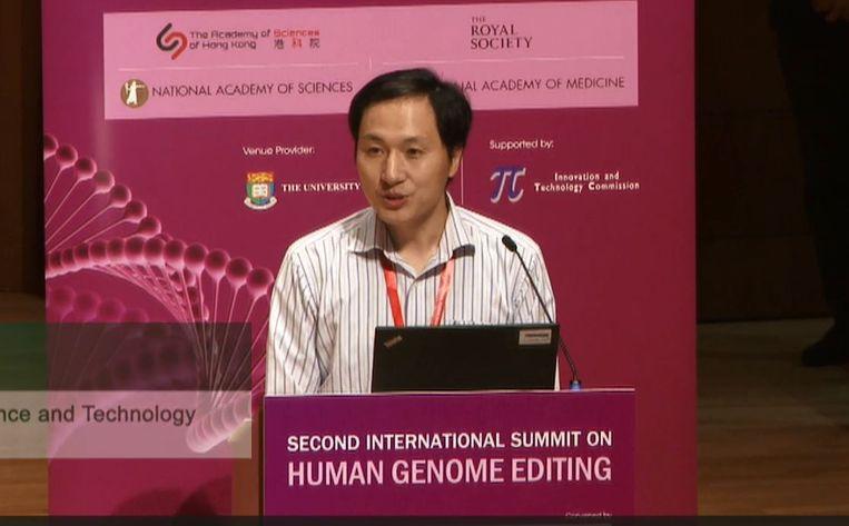 He tijdens zijn presentatie in Hongkong. Beeld Maarten Keulemans