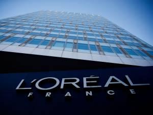 """L'Oréal supprime les mots """"blanchissant"""" et """"clair"""" de ses produits"""