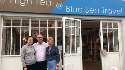 """Gezin opent High Tea at Blue Sea Travel: """"Combinatie van lunchzaak en reisbureau, dat is het beste wat het leven te bieden heeft"""""""