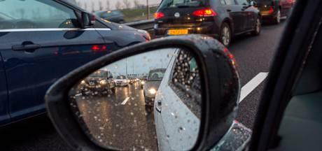Flinke file na ongeluk op A50 bij Vaassen