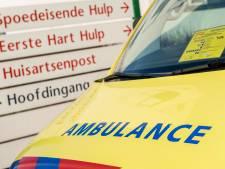 Vrouw ligt gewond naast scootmobiel in Baarn