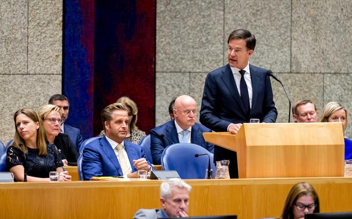 Mark Rutte in vak K tijdens het debat in de Tweede Kamer over de regeringsverklaring