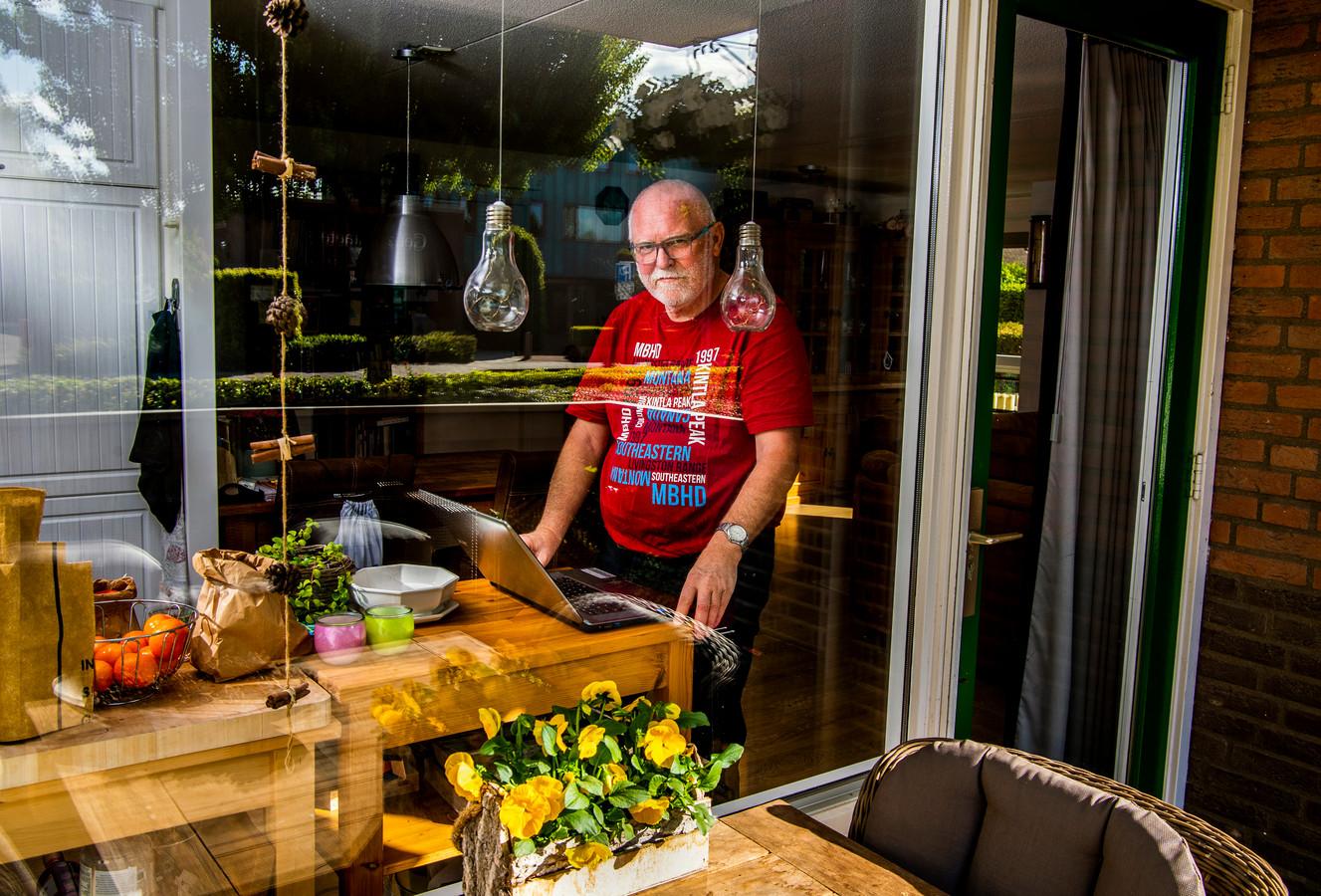 Wim Smit vindt elke dag wel een onderwerp waarover hij wil schrijven in zijn digitale 'coronadagboek'.