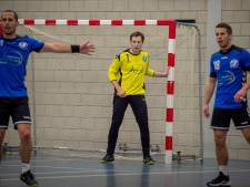 The Flyers-keeper Remon van Dijk excelleert in derby met Havana