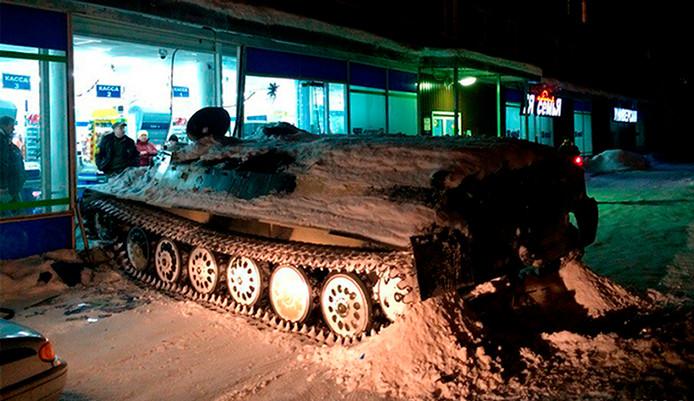 De dronken tankkaper werd na zijn doldwaze daad snel ingerekend.