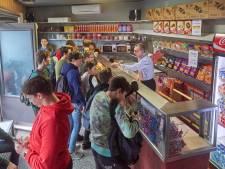 John en José Hartogs overladen met reacties nu hun Snoepwinkeltje in Oss stopt
