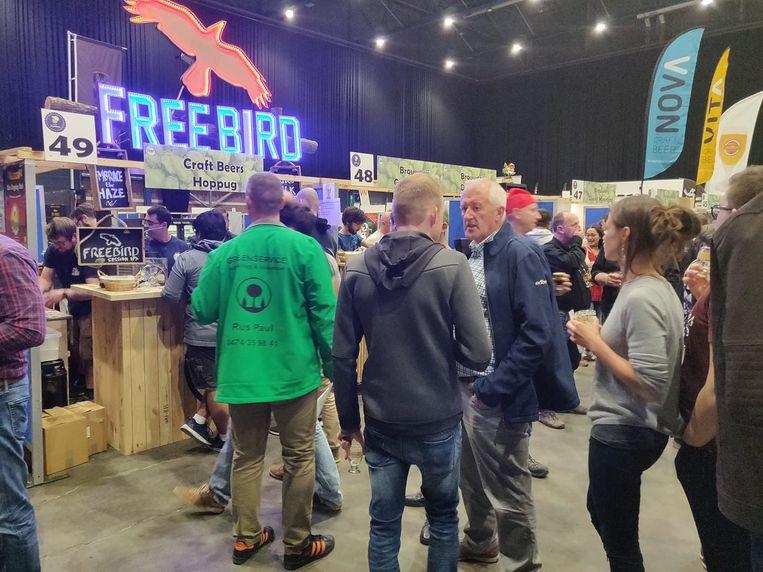 Heel wat bezoekers kwamen af op het standje van Free Bird op het Zythos Bier Festival.