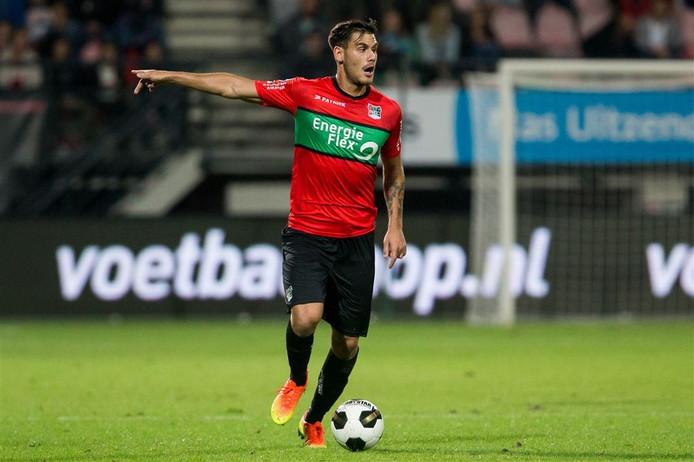 NEC-verdediger Dario Dumic.
