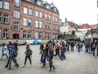 300 leerlingen De Frères verplicht thuis tot na de herfstvakantie