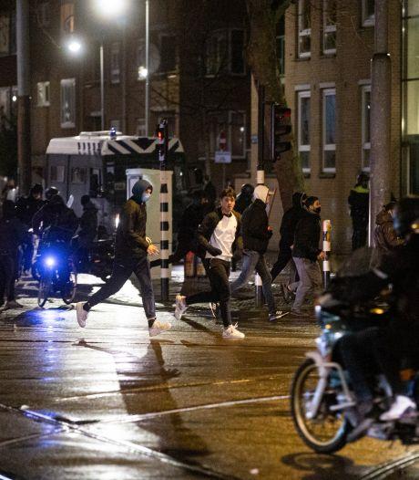 Fotograaf krijgt steen tegen hoofd bij rellen Molukkenstraat