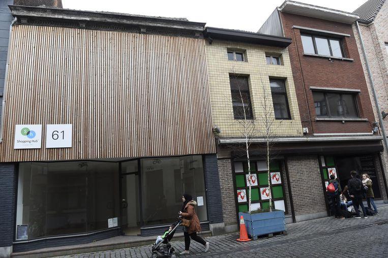 Deze panden in de Blauwstraat worden afgebroken voor sociale woningen.