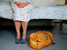 Vrouw (80) eist dat zoon uit huis wordt gezet, zodat zij daar kan sterven