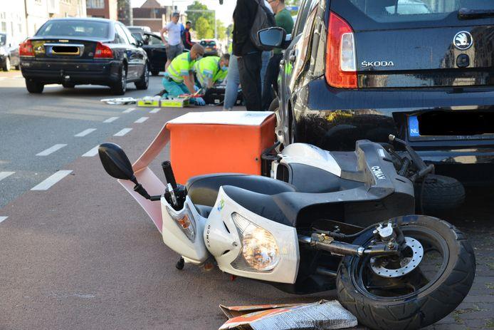Een scooterrijder raakte zwaargewond in Breda.