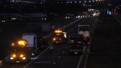 Plasticpoeder op snelweg E17 aan grens na bruusk remmanoeuvre