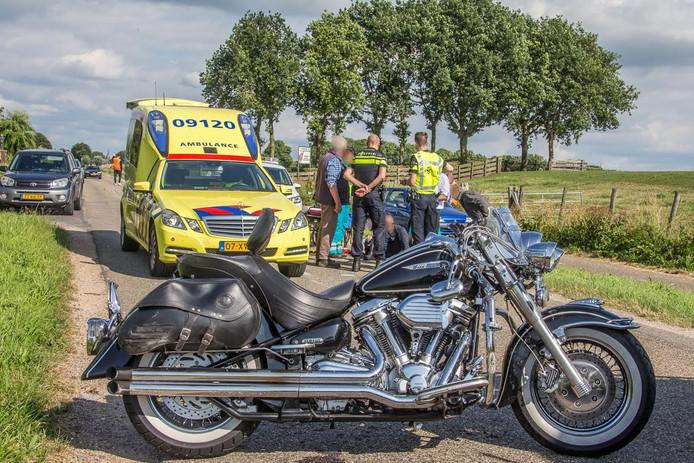 Een motorrijder is door een eenzijdig ongeluk gewond geraakt.