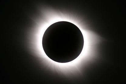Amerikanen krijgen volledige eclips te zien, maar dankzij NASA kunnen wij meegenieten