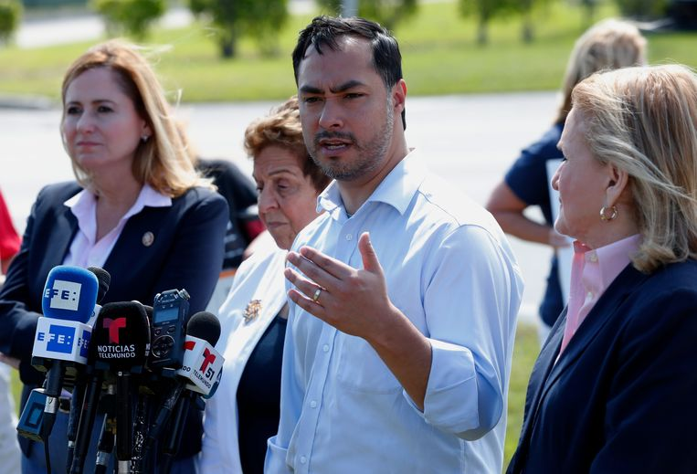 Democratisch Congreslid Joaquin Castro werkte de resolutie uit.