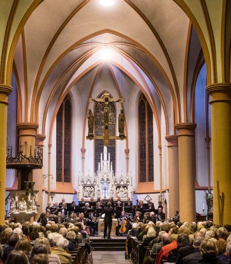 Een plekje reserveren in de kerk: In Tubbergen kunnen gelovigen weer naar een viering