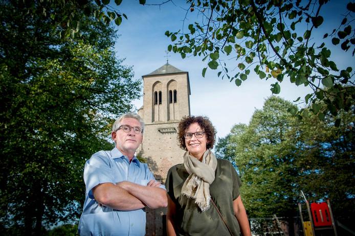Bert Beuving en Silvia van Kempen hebben grote plannen met de restanten van de middeleeuwse kerk.