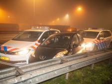 Nachtelijke achtervolging op N207 bij Alphen, dronken automobilist klemgereden