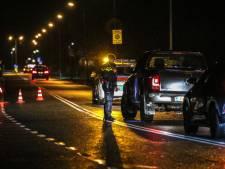 Vier mensen aangehouden en zeven auto's in beslag genomen bij grote controle in Alblasserdam