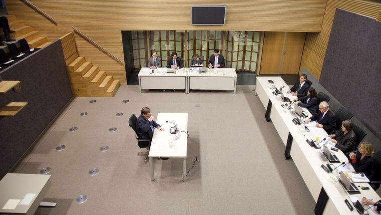 Nout Wellink (oud-president van De Nederlandsche Bank) tijdens het verhoor van de Parlementaire enquetecommissie Financieel Stelsel in 2011. Beeld anp