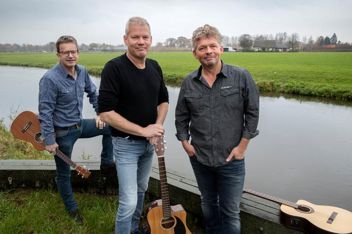 Nieuw trio: De Lokale Mannen, met van links naar rechts Peter van den Hurk, Wim Kuipers en Harry Hendriks.