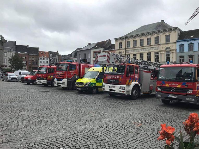 Het brandweerkorps liet ook de sirenes loeien.