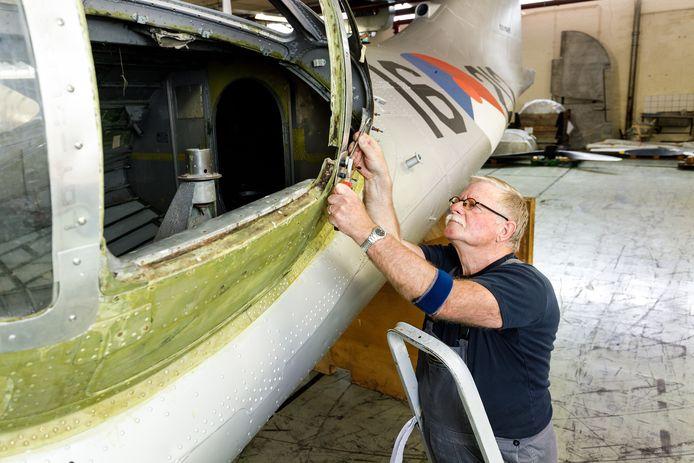 Frans Duijts (72) uit Lelystad restaureert de komende jaren het historische watervliegtuig de Catalina.
