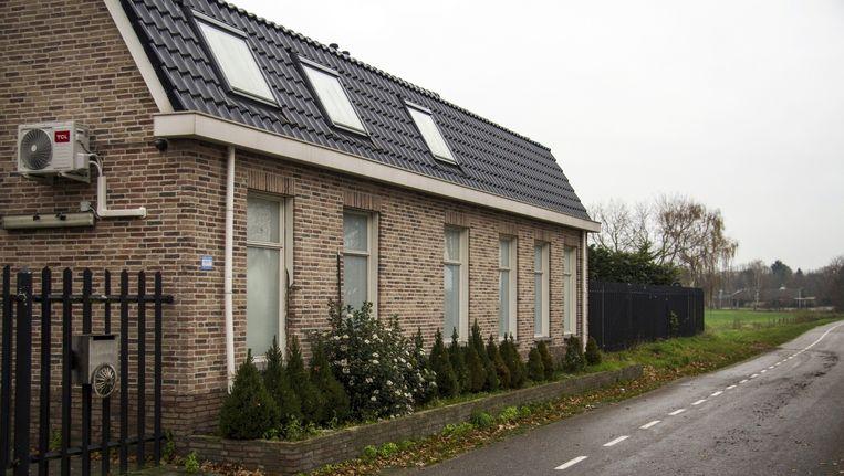 Het clubhuis van motorclub No Surrender in de gemeente Zundert Beeld anp