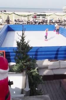 In bikini schaatsen bij Beachclub Peukie