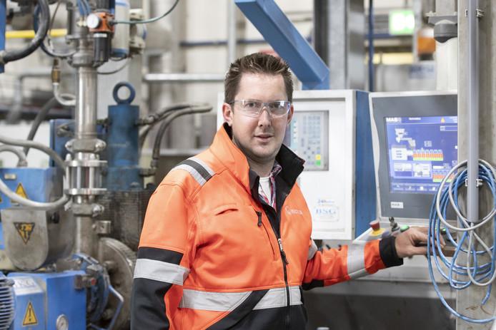 Gerrit Klein Nagelvoort werkt dertig jaar bij Veolia. Hij zag het bedrijf groeien.