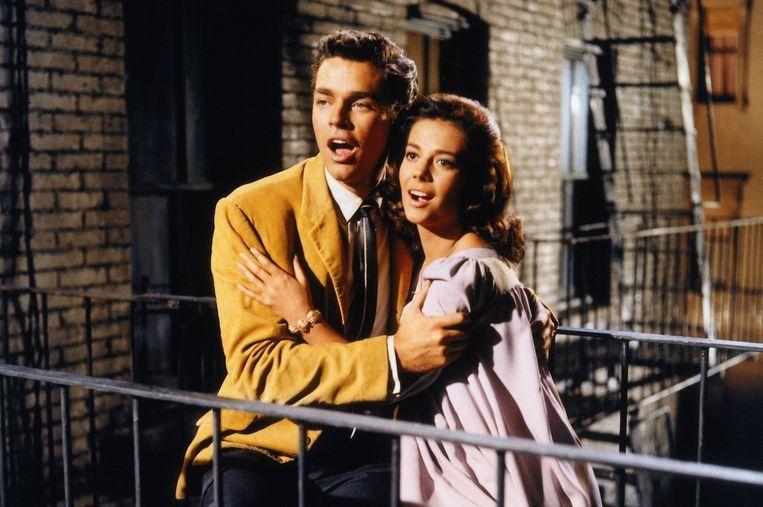 Richard Beymer en Natalie Wood als Tony en Maria in de verfilming van 'West Side Story'.