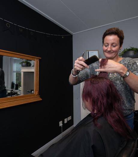 Sociale kapster Jentina: bezoekje aan de kapper is het eerste wat je uitstelt als je geen geld hebt