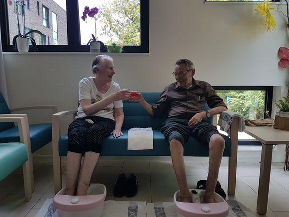 Nand Van Dingenen en mevr. Annie Vonck, twee bewoners van WZC De Hopperank.