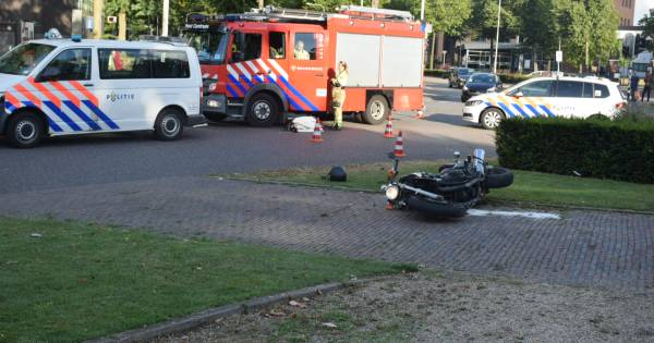 Motorrijder ernstig gewond door ongeluk op Keizer Karelplein.