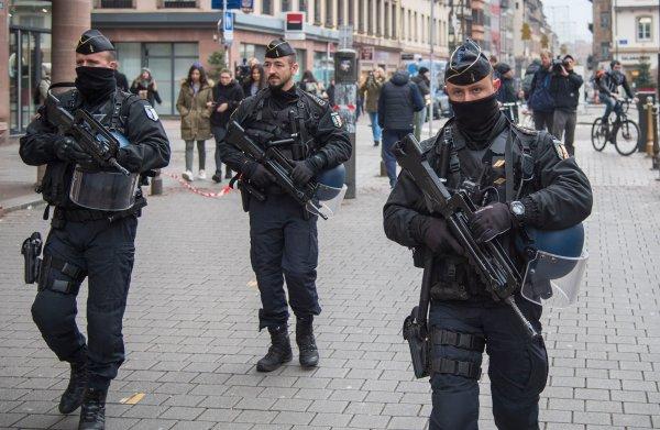 Straatsburg zoekt met 600 agenten naar gewonde, voortvluchtige dader terreuraanslag
