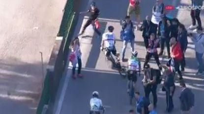 Sagan verliest titanenstrijd, maar heeft nog energie genoeg om Quick.Step-verzorger stuipen op het lijf te jagen