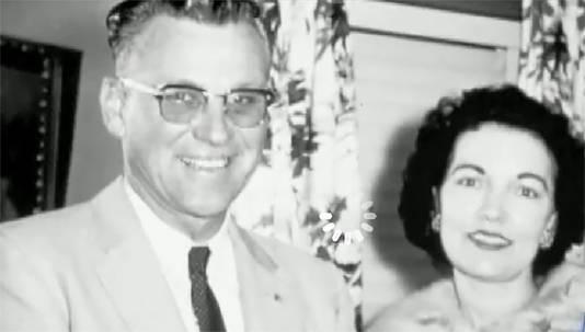 De ouders van Joyce Warton die bij de vliegtuigcrash in 1959 omkwamen.