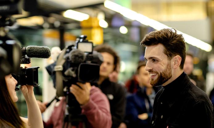 Duncan Laurence is vanaf luchthaven Schiphol naar Tel Aviv vertrokken voor de eerste repetitie op het Eurovisiepodium. Volg jij hem als fan naar Israël? Dan zijn we op zoek naar jou.
